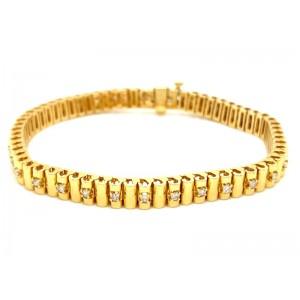 Estate 18kt Yellow Gold And Diamond Hinged Bracelet