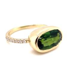 14kt Yellow Gold Green Tourmaline And Diamond Ring